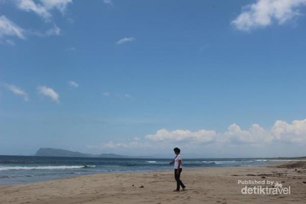 Pantai Trianggulasi adalah salah satu pantai yang ada di TN Alas Purwo