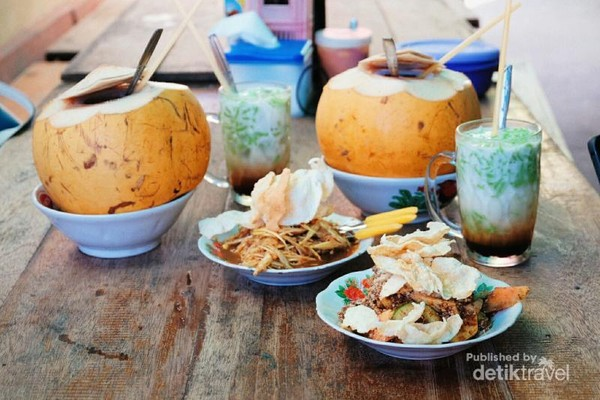 Rujak Thai Pui Jie yang sayang dilewatkan kalau mampir ke Singkawang
