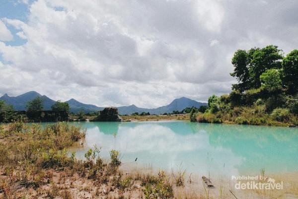 Danau Biru di Singkawang