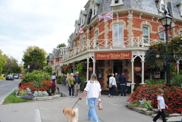 Niagara on The Lake, walau berbalut dengan kehidupan modern desa ini tetap menjaga kecantikannya (Sumber: gretchenmckay.com)