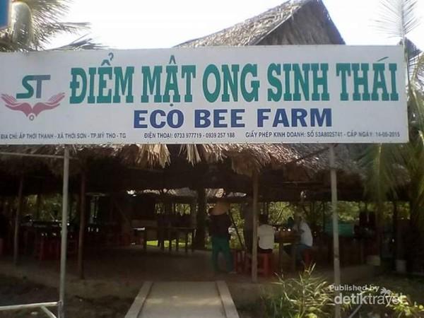 Mendarat di Pulau Kelapa, Mekong Delta, Ben Tre.