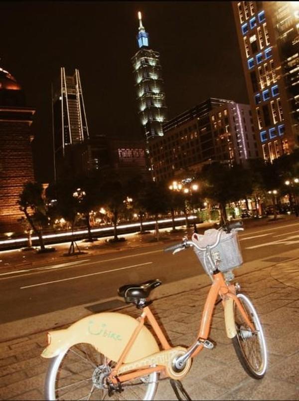 Bersepeda bisa jadi alternatif terbaik untuk dapat menikmati sebuah kota