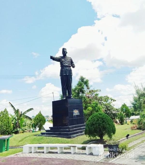 Ini dia Patung Sukarno di Palangkaraya