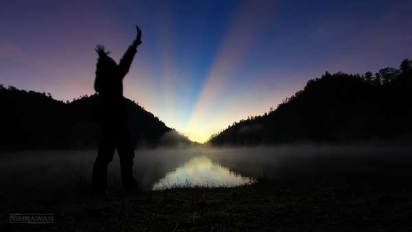 Cantiknya sunrise di Ranu Kumbolo (Ardi Rimbawan /dtraveler)