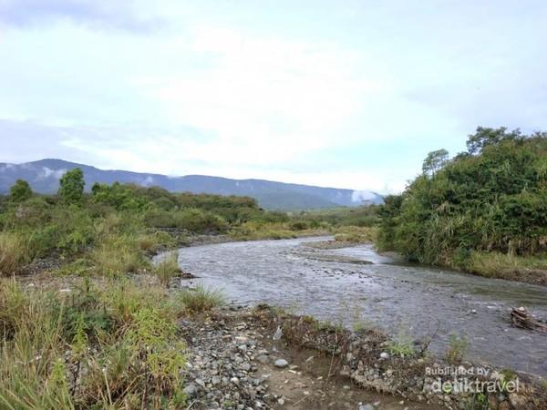 Salah satu Sungai di kecamatan yang sangat segar dan jernih