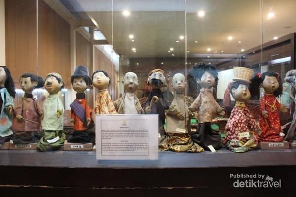 Salah satu koleksi museum yaitu boneka Si Unyil yang pernah terkenal pada masanya.