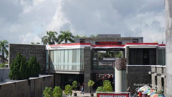 Gedung Perpusnas dan museum