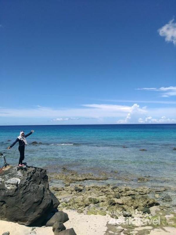 Pantai Sumur Tiga yang indah