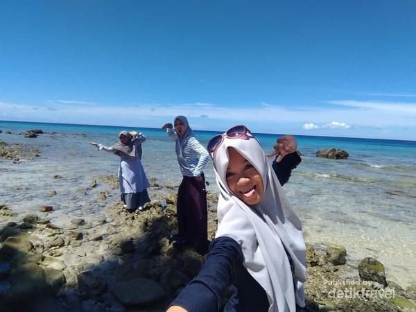 Dengan teman-teman