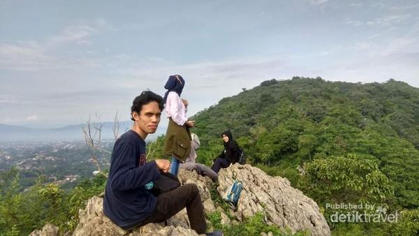 Puncak Batu Roti, Gunung Kapur Ciampea