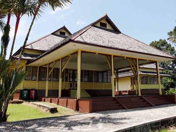 Istana Kesultanan Sintang (Ari/detikFoto)