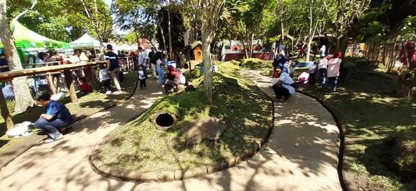 Taman Kelinci yang ada di Floating Market