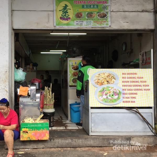 Salah satu kopitiam di Pasar Penuin Batam