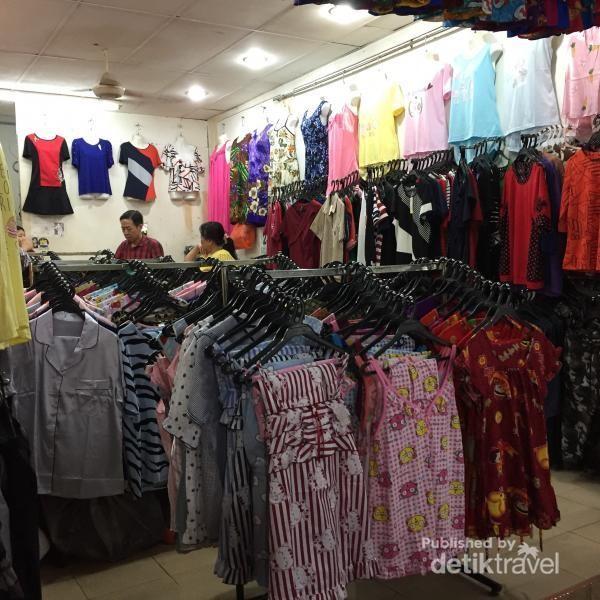 Salah satu toko yang menjual baju tidur