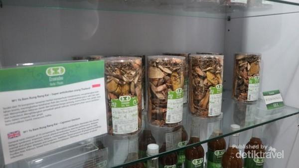 Aneka herbal dengan beragam khasiat tersedia disini