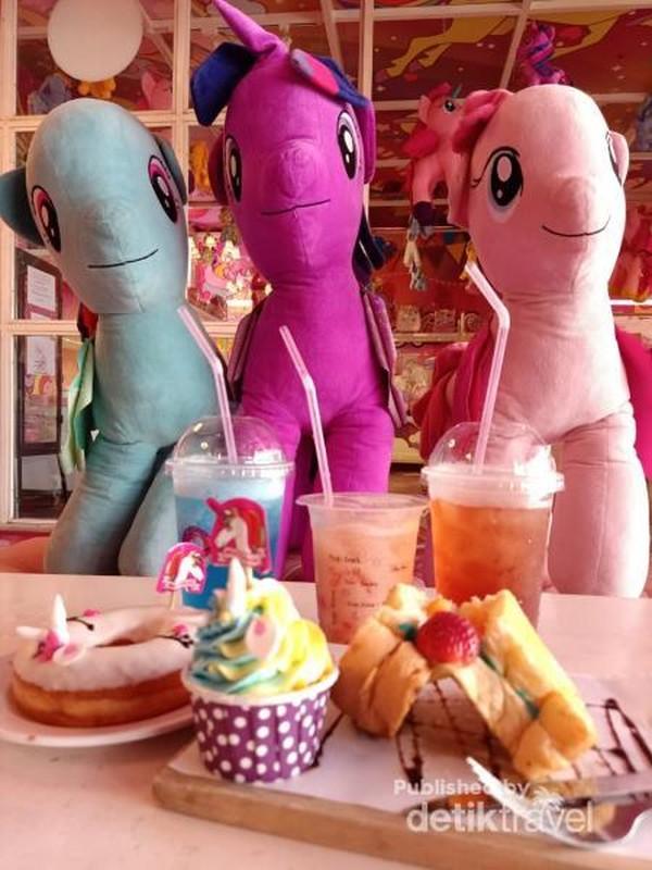Menu di Miss Unicorn Cafe