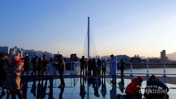 Spot foto di ujung Soyanggang Skywalk