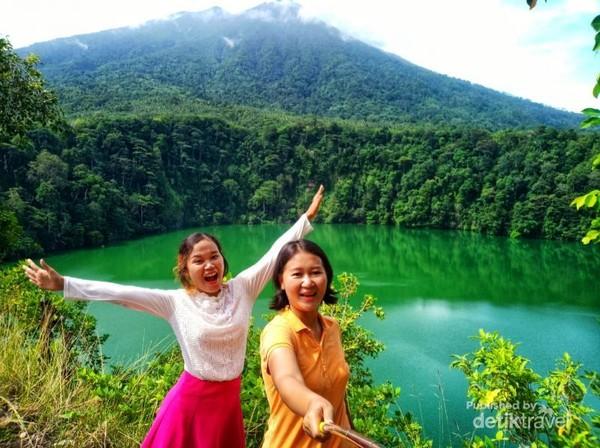Selfie bersama ci Ling-Ling dengan view yang sangat cantik.