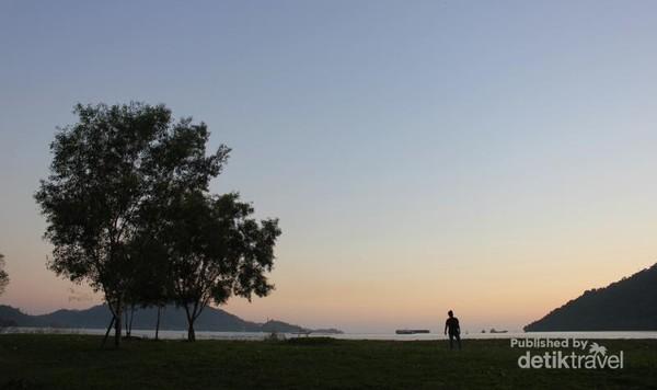 Panorama Samudera Hindia dan Teluk Bungus