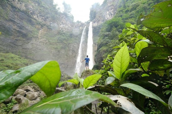 Salah satu air terjun indah yang berada di Lumajang, Jawa Timur