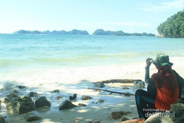 View berupa Gugusan Pulau dari Samping Kampung Ugar