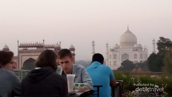 on the rooftop a restaurant, about 400 metres from Taj
