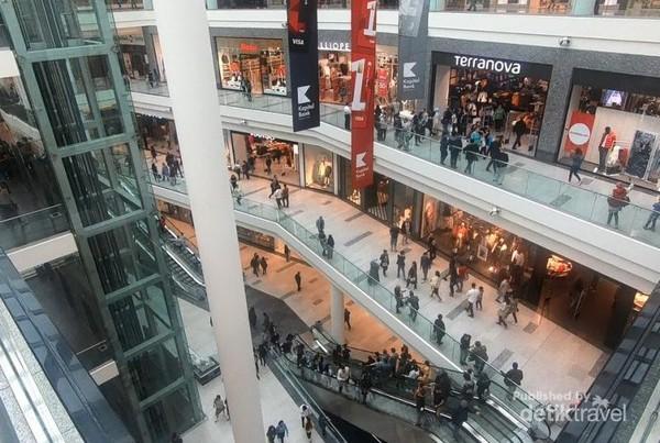 Ganjlik Mall, Baku