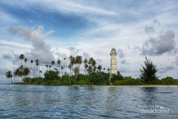 Mercusuar di Pulau Rangit Kecil