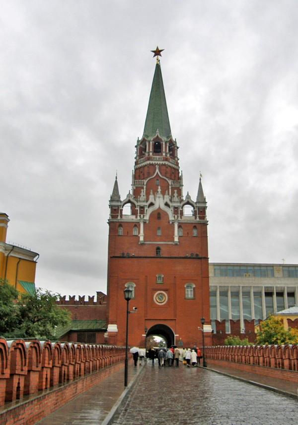 Salah satu dari puluhan Kremlin Towers (galenfrysinger.com)