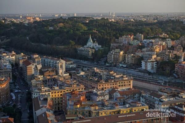 Pemandangan kota Roma dari Basilica San Pietro, Vatican