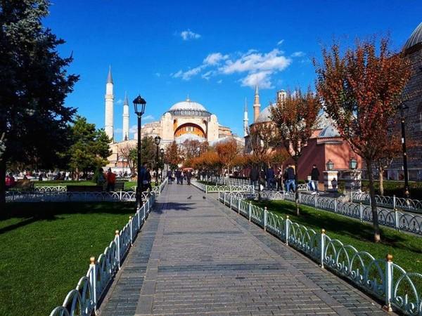 Hagia Sophia, salah satu icon kota Istanbul yang 3x berubah fungsi bangunan