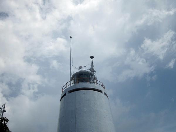 Menara Suar Padang