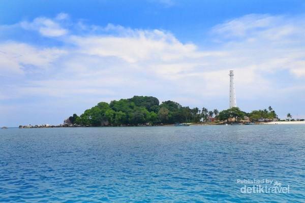 Mercusuar Pulau Lengkuas Primadona Di Belitung