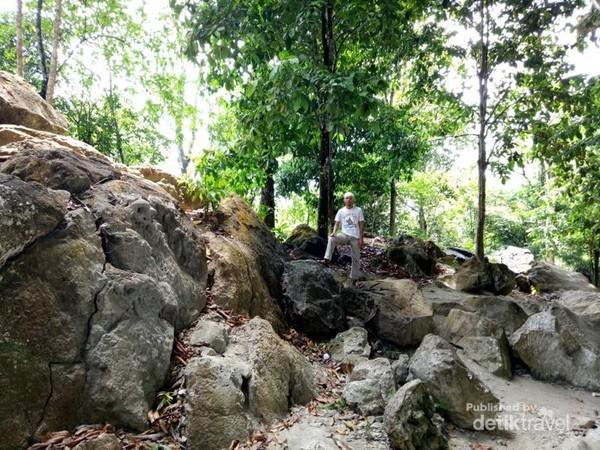 Batuan Gunung Putih