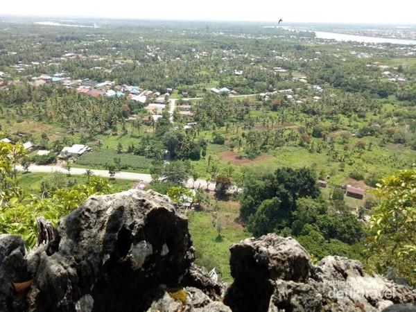 Pemandangan dari puncak Gunung Putih