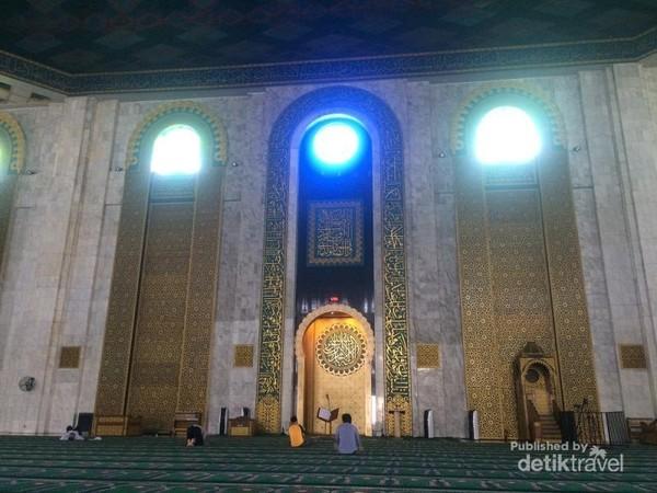 Mihrab terbesar di Indonesia
