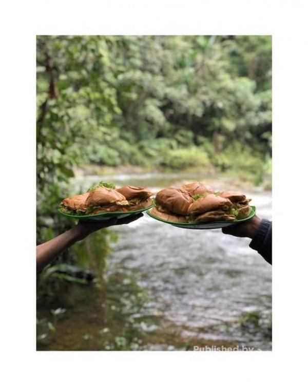 Makan di tepi sungai Mudik Lubuk Torok @mikibymen