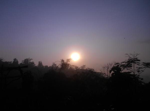 Ketika matahari muncul.