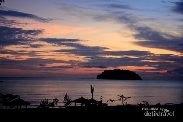 Sunrise di Gua Manik Jepara