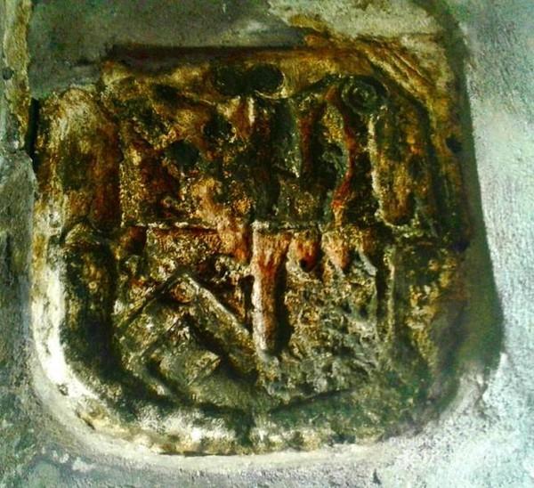 Simbol misteri yang belum terpecahkan di benteng tolukko.