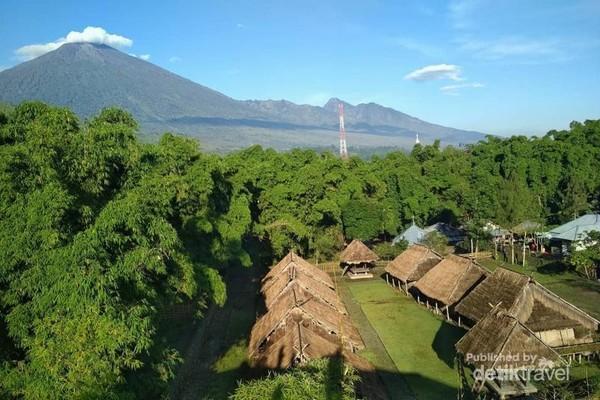Rumah Adat Desa Beleq Sembalun. Desa dan rumah adat pertama di Sembalun, Lombok Timur