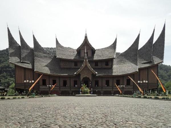Istano Basa Pagaruyuang