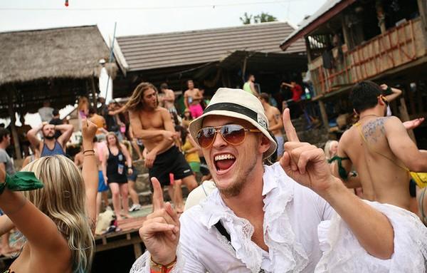 pesta sepanjang waktu! (matthew bennet, cnngo.com)