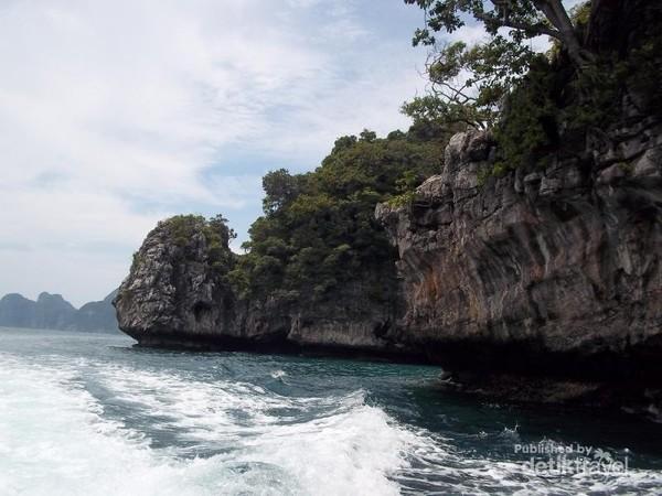 Berlayar di Phuket