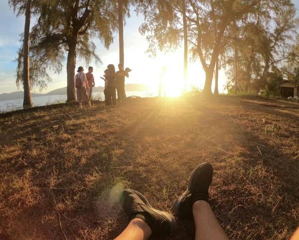 Menikmati sunset di Sabang Hill