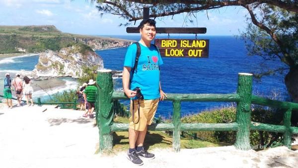 Bird Island, dibelakang saya ada pulau kecil hunian berbagai macam burung di Saipan