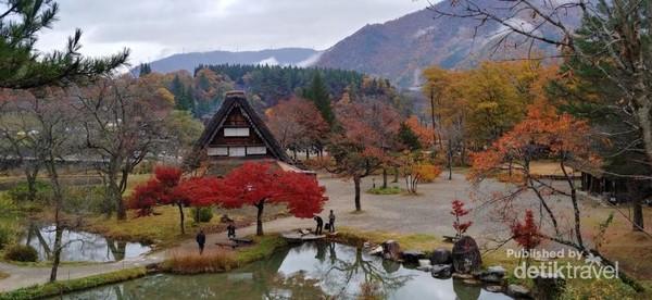 View Gassho-zukuri Minkaen