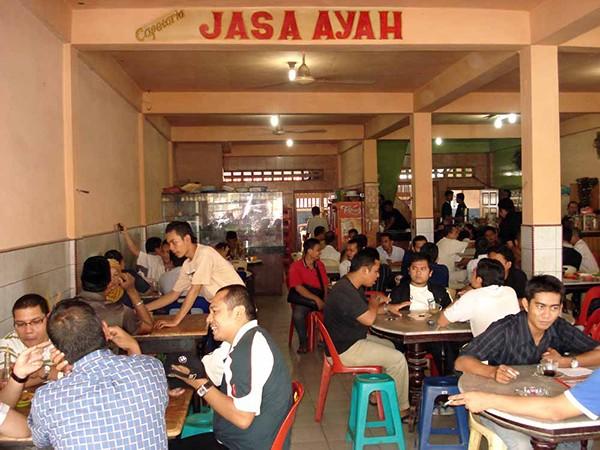 Warung Kopi Solong Jasa Ayah di Aceh