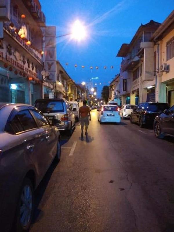 Sepanang jalan Carpenter di malam hari.