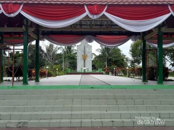 Pintu masuk Taman Makam Pahlawan Telabang Bangsa